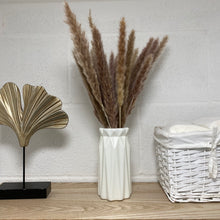 Load image into Gallery viewer, Neutral pampas grass stems