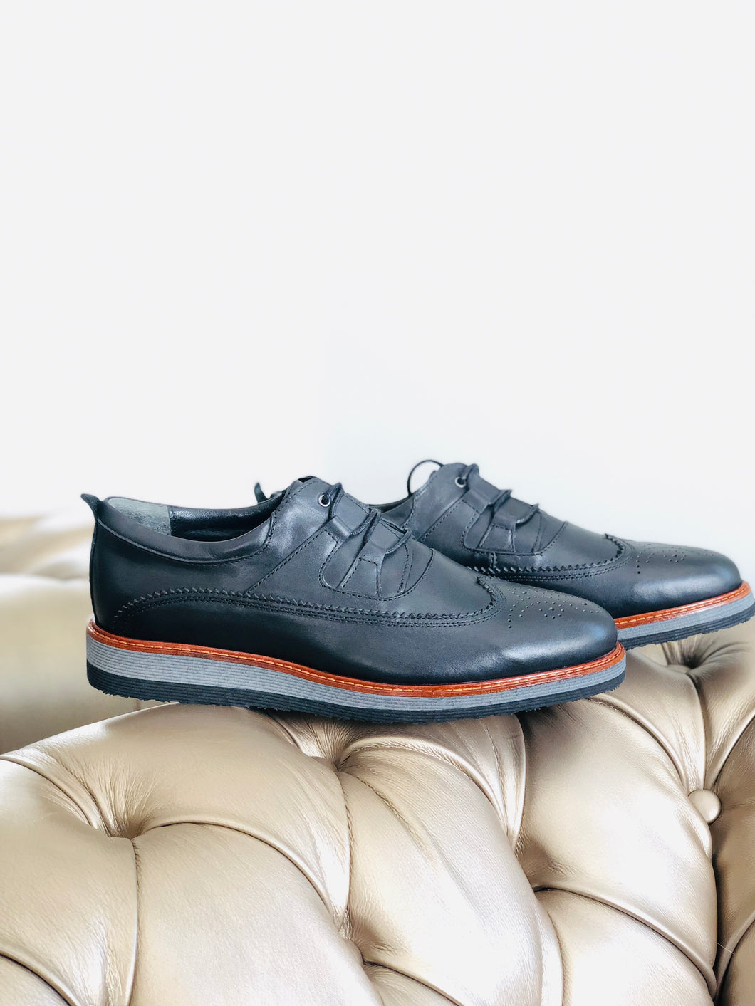 Classic genuine leather smart casual: Black