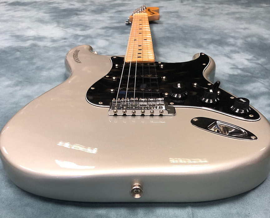 VINTAGE 1979 Fender 25th Anniversary Stratocaster - Silver Metallic