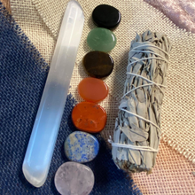 Load image into Gallery viewer, 7 Chakra Crystal Gift Set