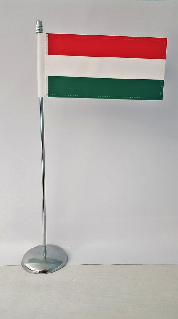 Cover Image for Hungarian Flag with Pole & Base