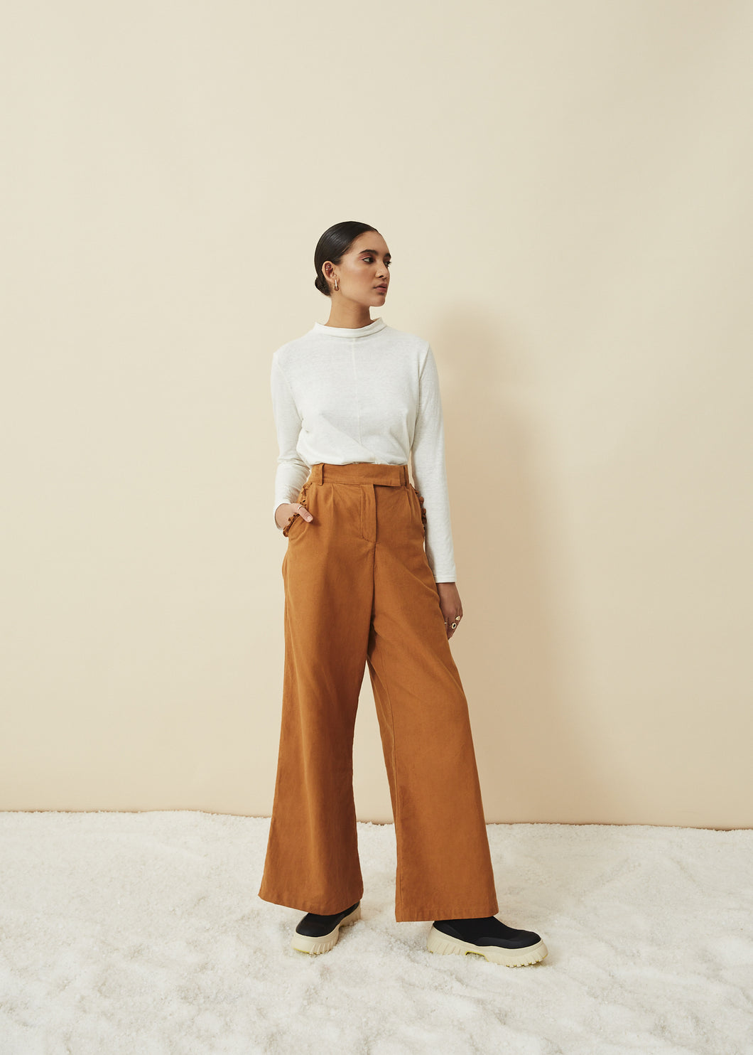 The High & Wide Pants ( Chesa)