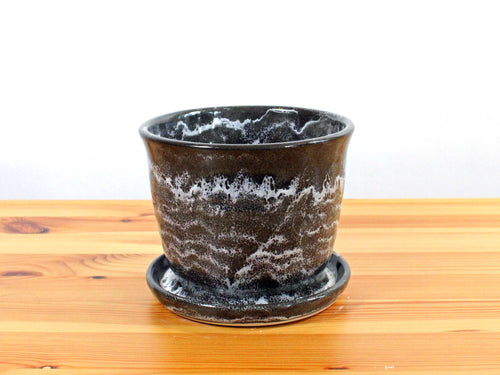 Black and white 5 inch planter