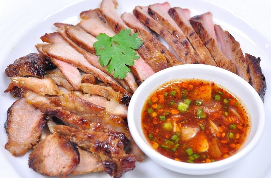 Grilled Pork Neck with Spicy Dipping Sauce คอหมูย่าง+จิ้มแจ่ว