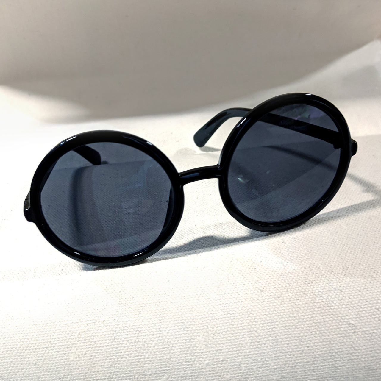 Circular Black Sunglasses
