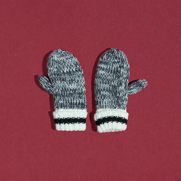 Kids Camp Mitten - Black Stripe
