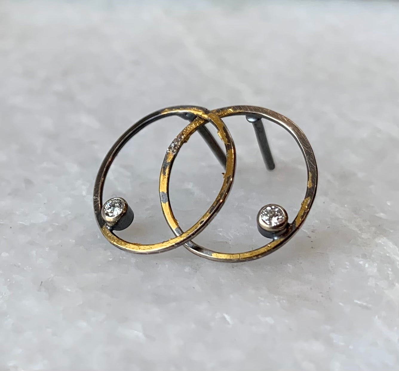 Oval Rim Earrings With Diamonds