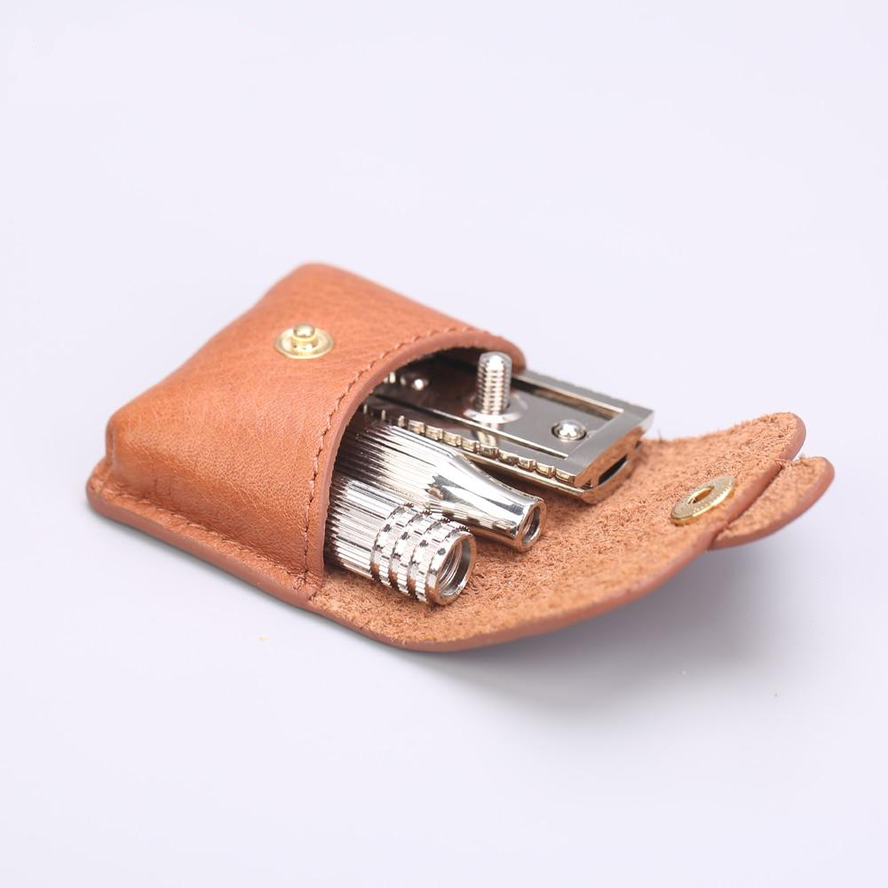 Load image into Gallery viewer, Travel Razor With Leather Pouch
