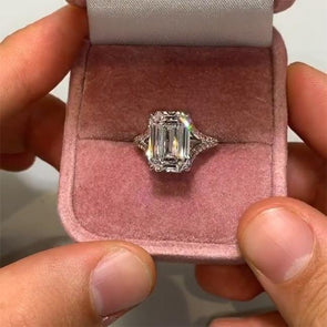 "Classical Emerald Cut With ""Y"" Shape Ring - jolics"