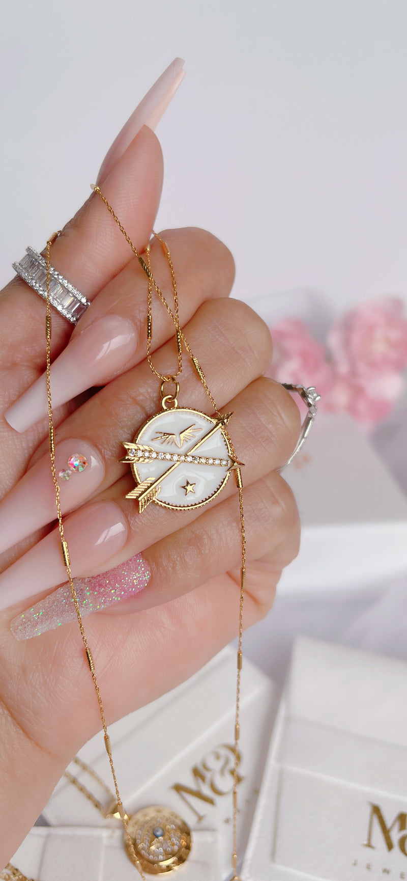 White Arrows Necklace