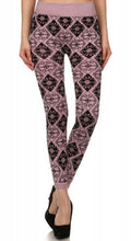 Load image into Gallery viewer, Boho Diamond Leggings