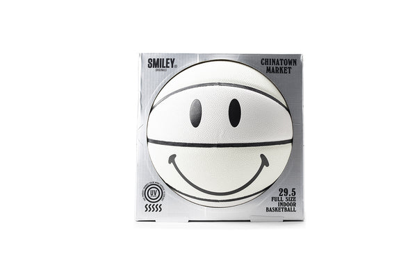 CHINATOWN MARKET UV Smiley Basketball (CTMUV-UVSB)