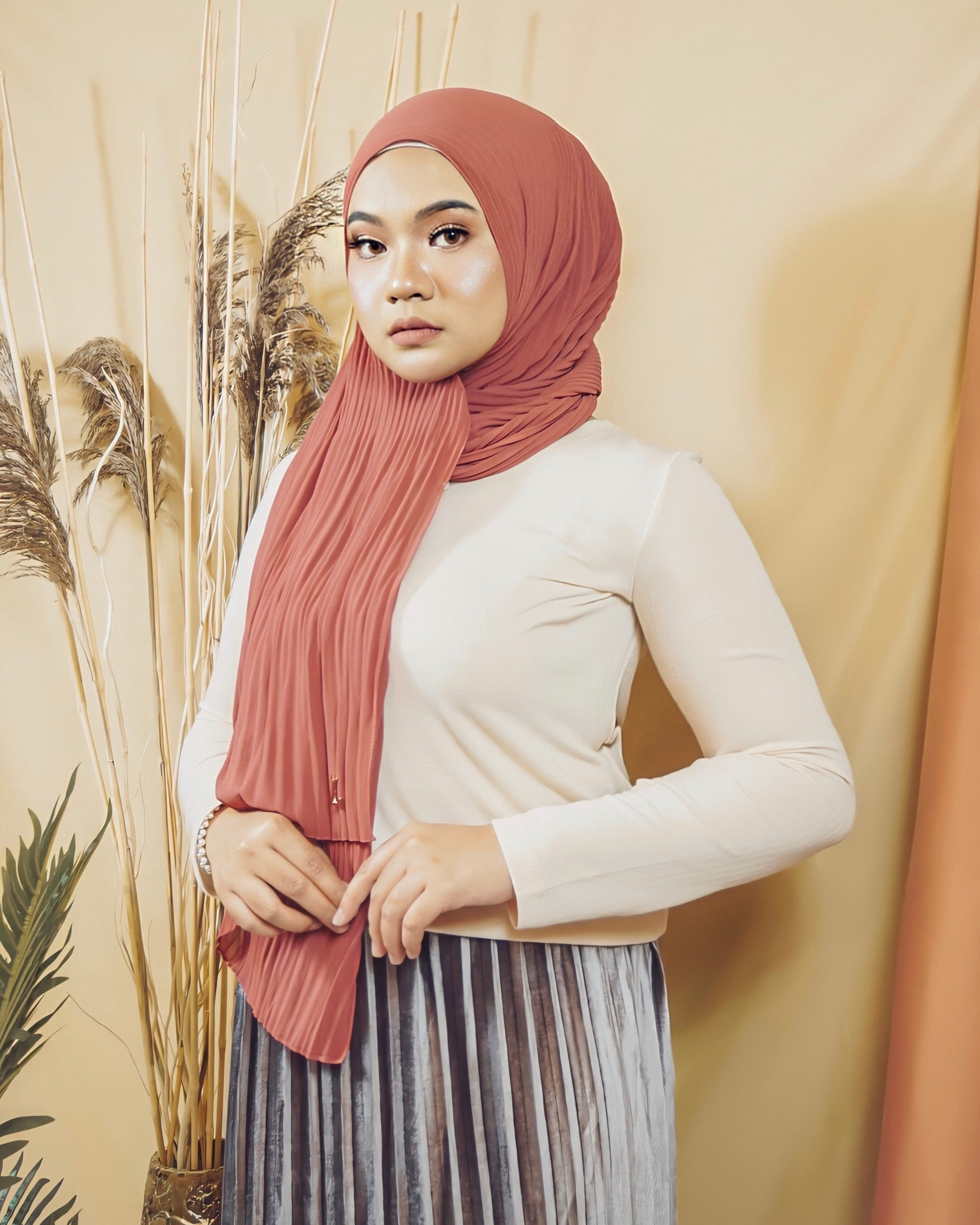 Cik Kiah Semi-Pleated in Blush