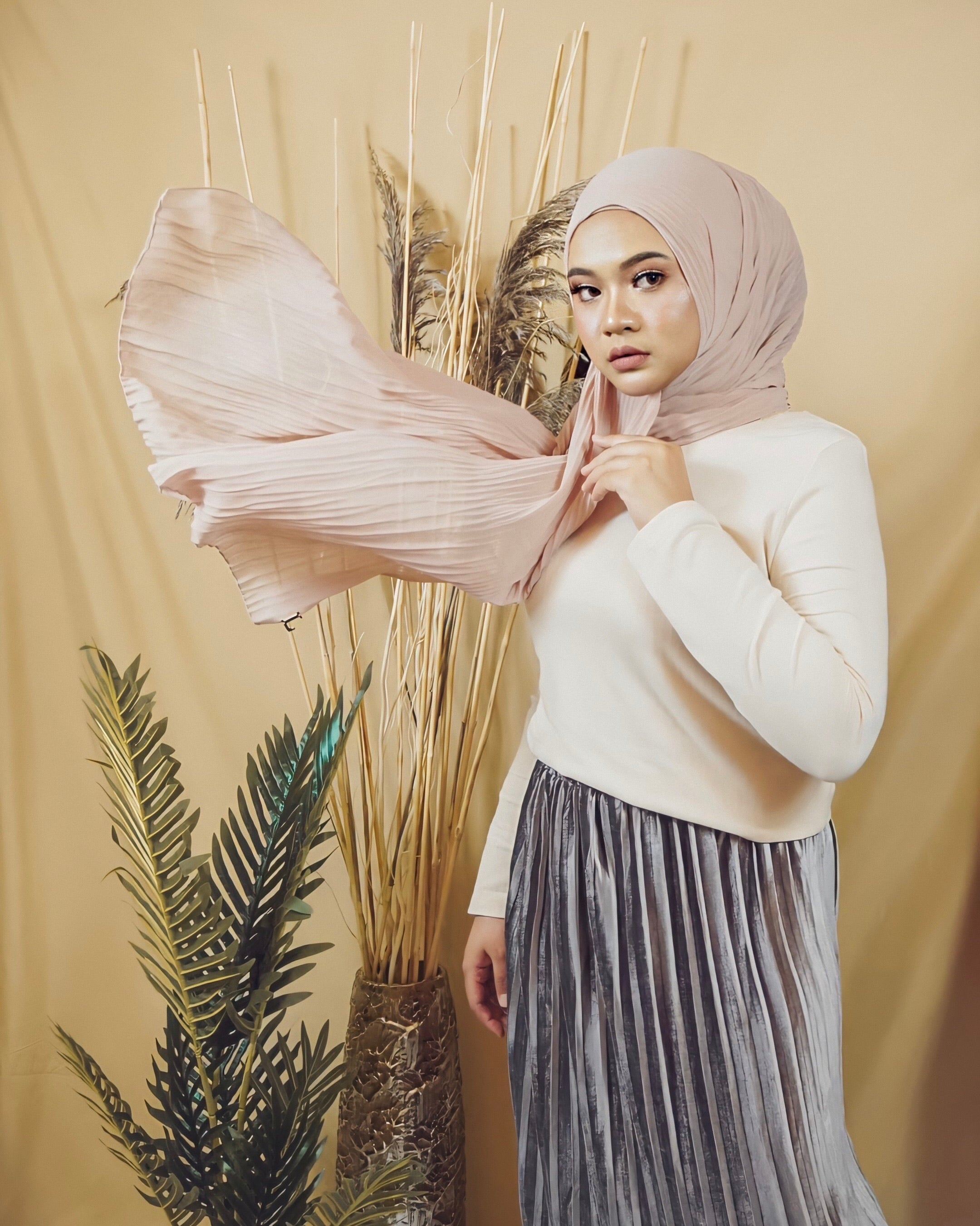 Cik Kiah Semi-Pleated in Almond Blossom - Defect