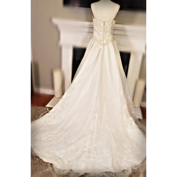 Off-White Wedding Dress - Size 0/2