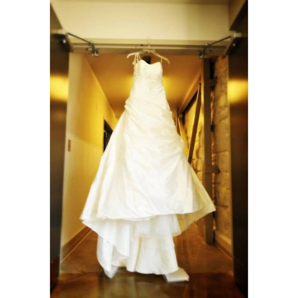 ANJOLIQUE IVORY WEDDING DRESS - SIZE 8