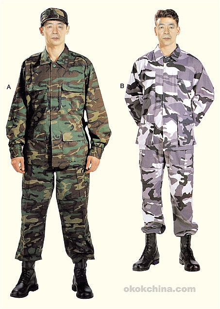 Two soldiers with different military uniforms