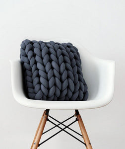 Braid Knotted Pillow