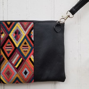 Paa'ch koyoq' Convertible Shoulder Bag/Clutch