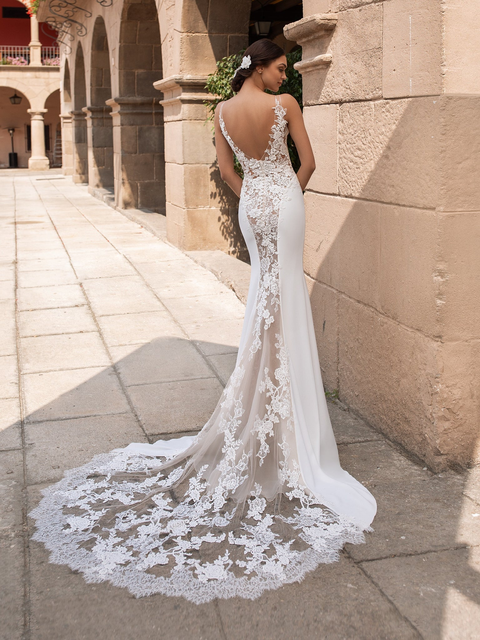 Pronovias Iocaste - LEEHWA WEDDING