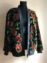 Load image into Gallery viewer, Velvet Jacket (Lrg/XL)