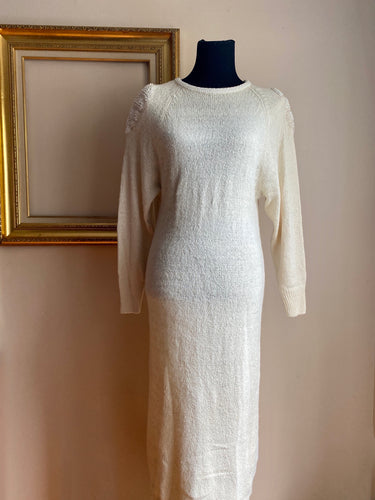 Sweater dress with Pearl details (Med)