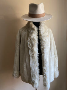 Winter White Faux Fur Coat (Med+)
