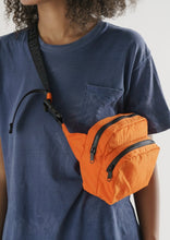 Load image into Gallery viewer, Baggu Fanny Pack Orange