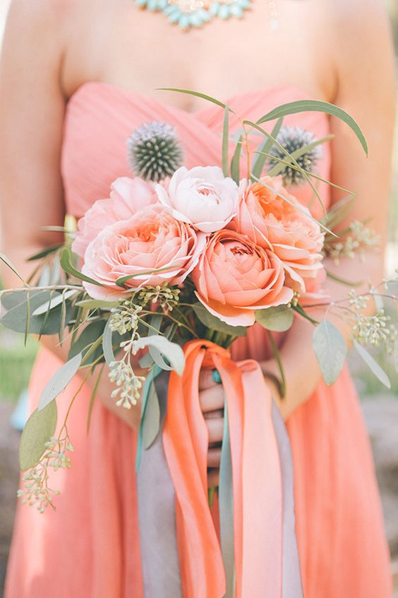 Coral Flowers | Bridesmaid Dresses Ideas for 2019 Pantone Color of the Year | My Wedding Favors
