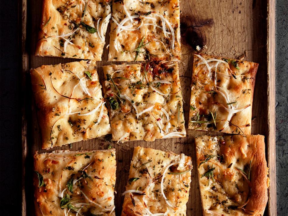 Onion Herb Focaccia | 7 Delicious Appetizers to Serve at Your Winter Reception| My Wedding Favors
