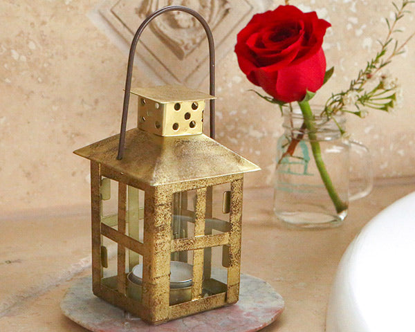 Gold Distressed Lanterns | 8 Lovely Spring Wedding Favors & Décor | My Wedding Favors