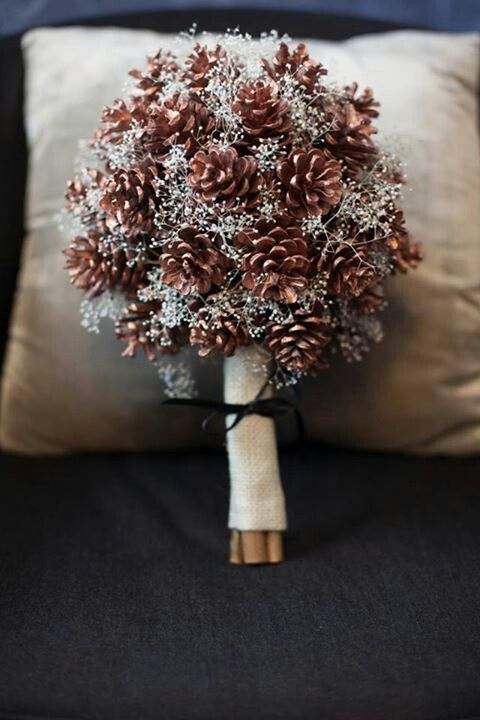 Pine Cone Wedding: Pine Cone Bouquet