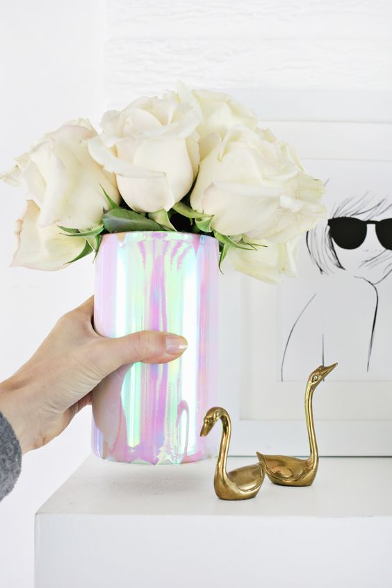 Iridescent Vase DIY | 6 Ideas for an Iridescent Wedding | My Wedding Favors