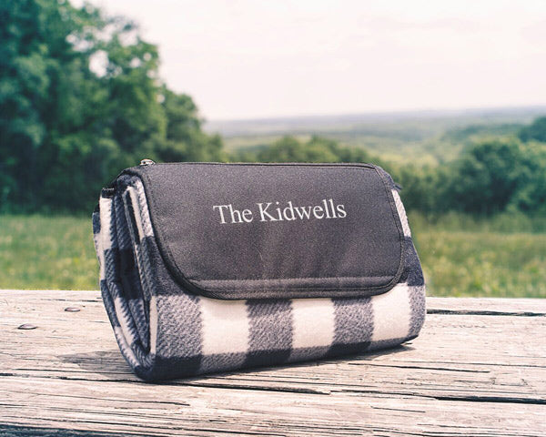 Picnic Blanket | The Best Gifts for Your Best Man | My Wedding Favors