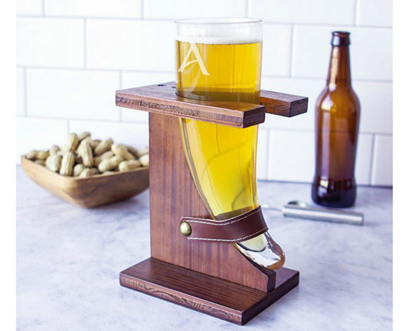Viking Beer Horns With Stands | 8 Groomsmen Gifts for Alcohol Lovers | My Wedding Favors