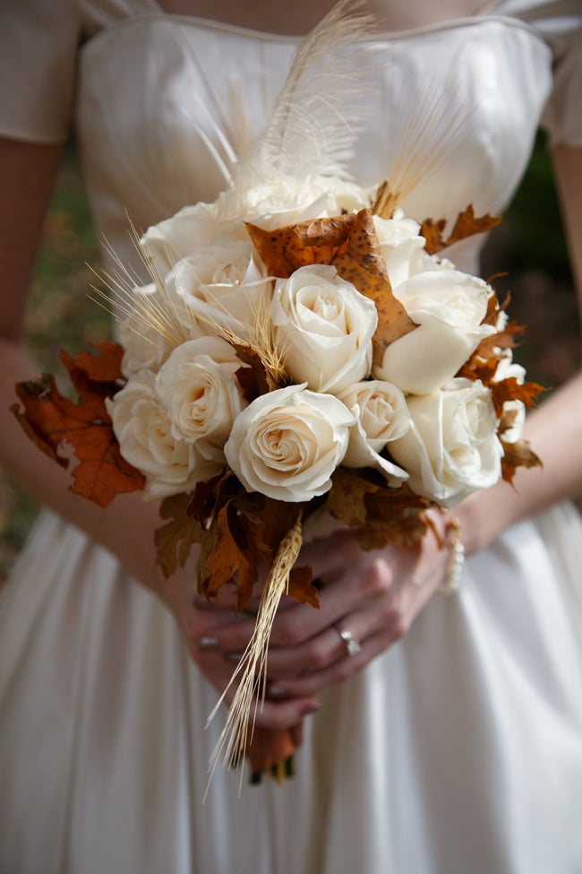 Leaf Bouquet | How to Incorporate Fall Leaves Into Your Wedding | My Wedding Favors