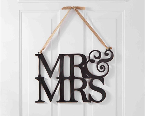 Engagement Party Themes: Mr. and Mrs. Sign