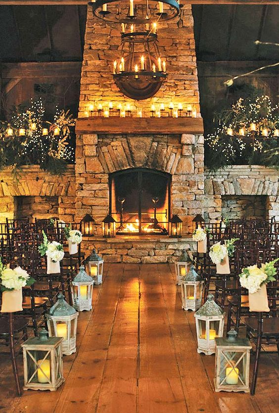 Winter Wedding: Cozy Lighting