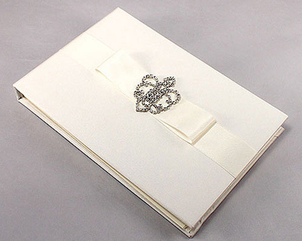 Wedding Guest Books: Traditional
