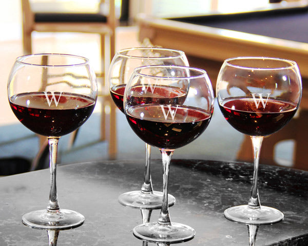 Engagement Party Trends: Wine Tasting