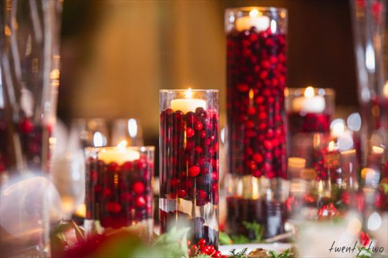 Christmas Wedding Decorations: Cranberries