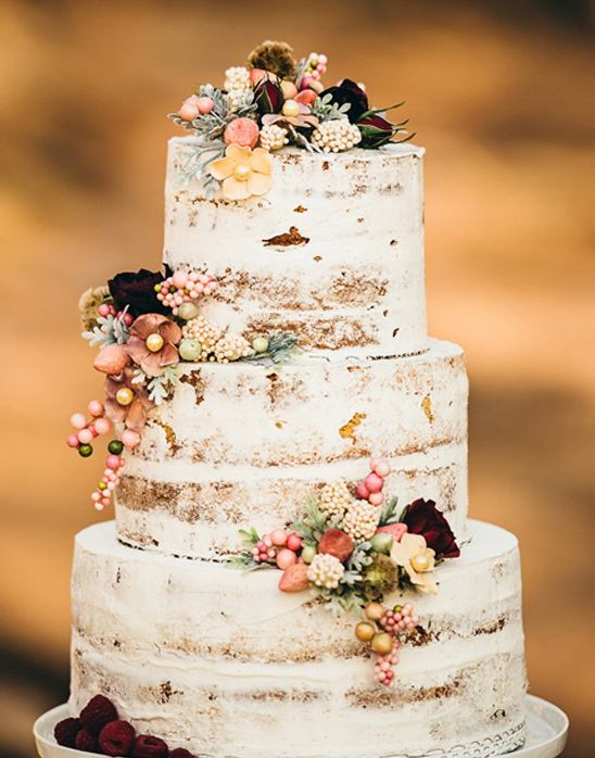 Wedding Cake | Hot Tips for Planning an Autumn Wedding | My Wedding Favors