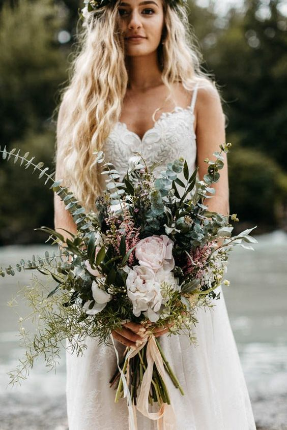 Boho Bouquet | 6 Fancy Floral Bouquets to Incorporate Into Your Wedding | My Wedding Favors