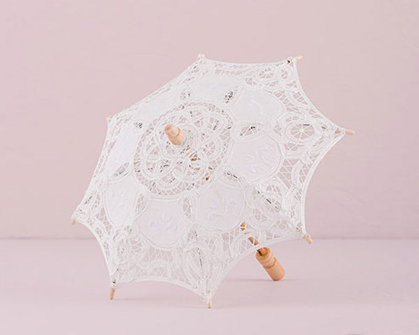 Lace Parasols for the Bridesmaids | Incorporating Lace Into Your Wedding | My Wedding Favors