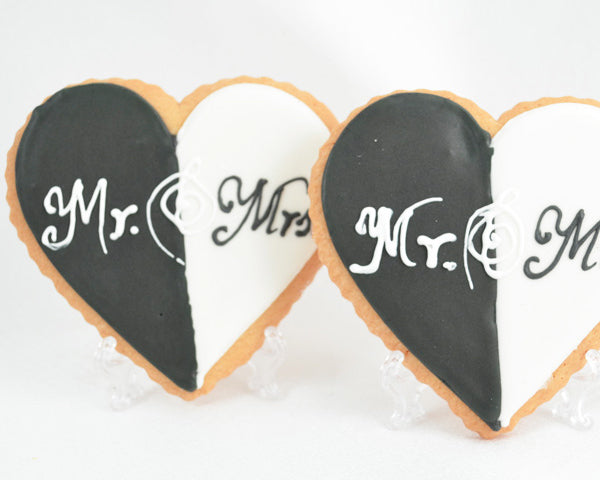 Mr. and Mrs. Heart Cookies | 7 Delicious and Adorable Wedding Cookies | My Wedding Favors