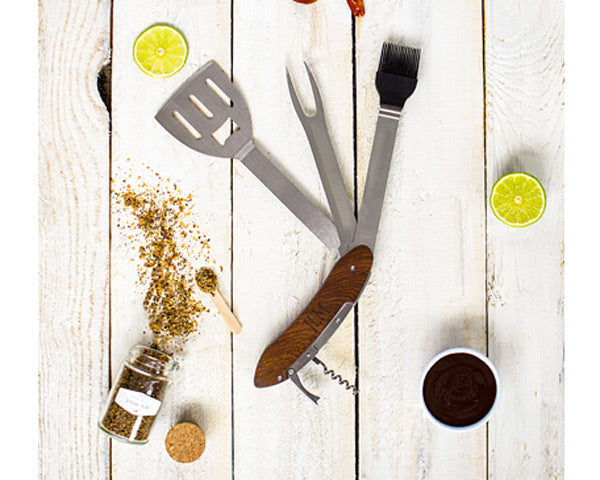 Personalized Grill Tool Kit | 8 Gifts for the Father of the Bride | My Wedding Favors