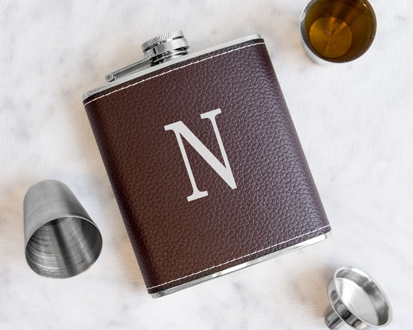 Leather Flask Set | The Best Gifts for Your Best Man | My Wedding Favors