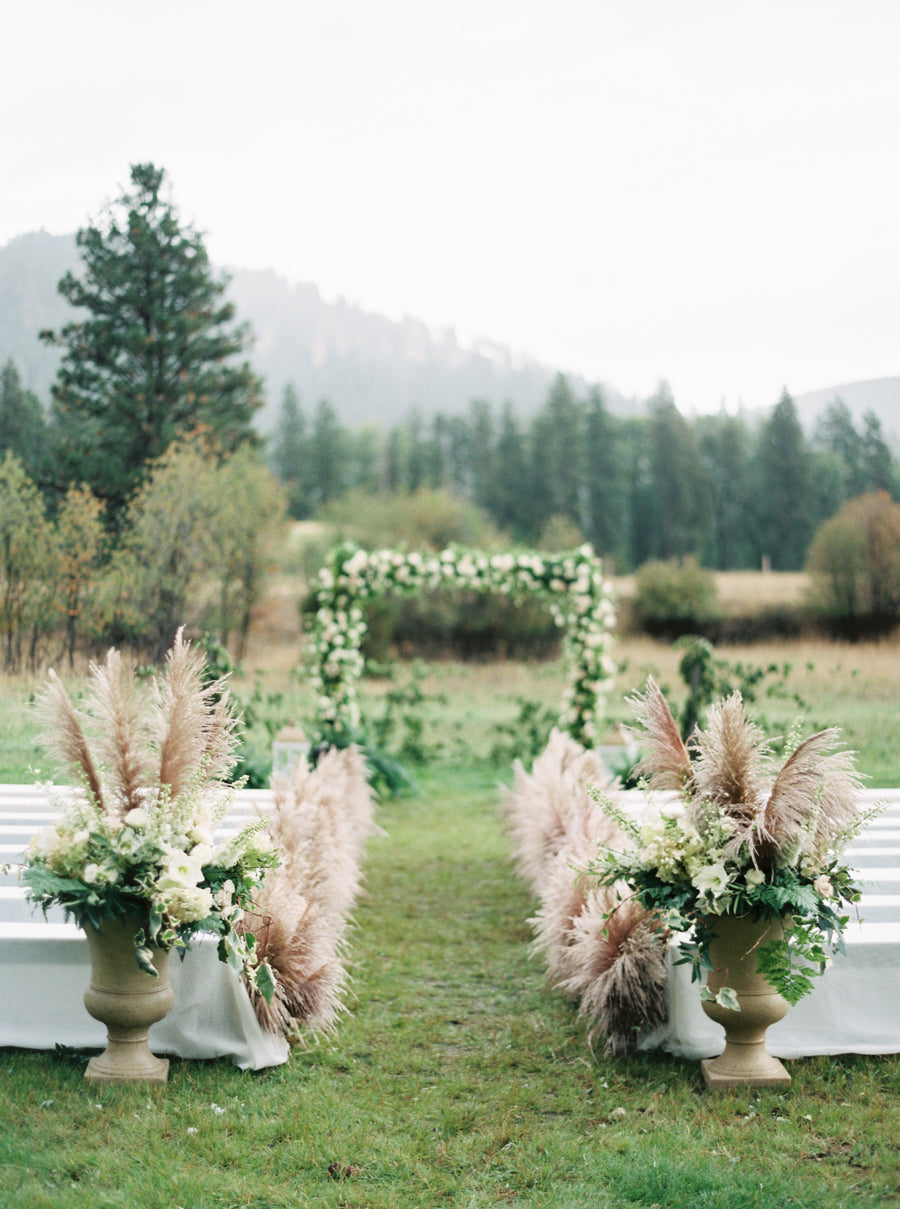 Pampas Aisle Decor