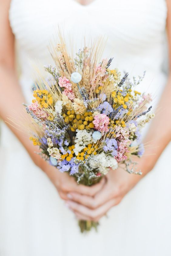 Wildflowers | 7 Summer Wedding Bouquets | My Wedding Favors