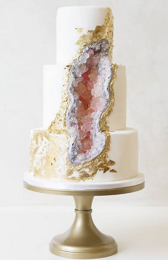 Geode Cake | 6 Unique and Dazzling Wedding Cakes | My Wedding Favors